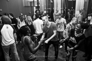 Dubing crazy - Bassculture Rond Volle Maan
